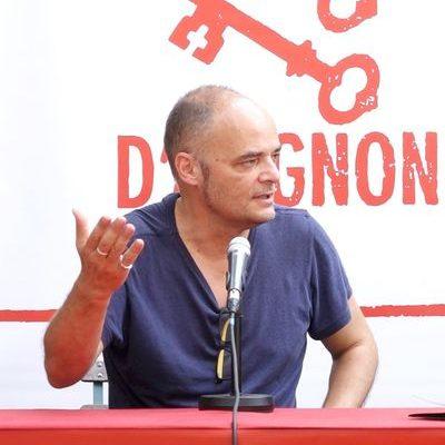 """Pierre-Yves Chapalain, metteur en scène de """"Où sont les ogres ?"""" au collège Saint Joseph de plouescat"""